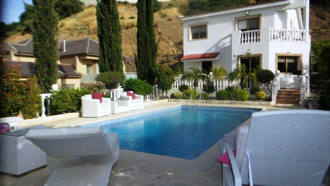 Property in Limassol, Two-Story 3-Bedroom House in Parekklisia.