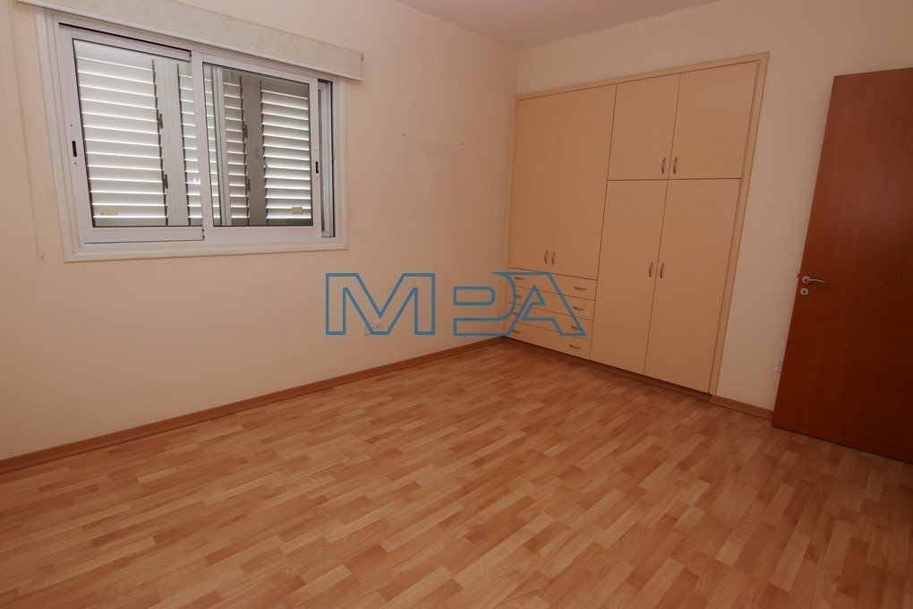 Apartment In Acropoli For Rent
