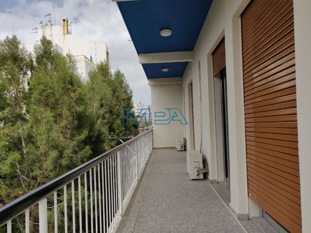 PARTLY RENOVATED APARTMENT IN AGIOI OMOLOGITES FOR RENT
