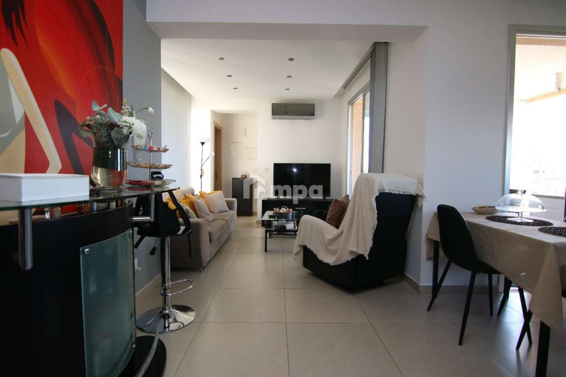CONTEMPORARY APARTMENT IN STROVOLOS FOR SALE