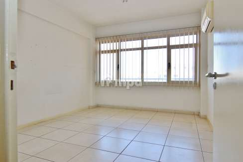 38301-1561551853-OfficeRentStrovolos00003