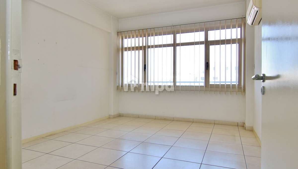 38302-38301-1561551853-OfficeRentStrovolos00003