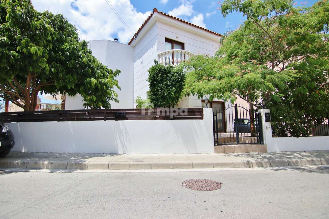 Semi Detached House in Strovolos for Rent