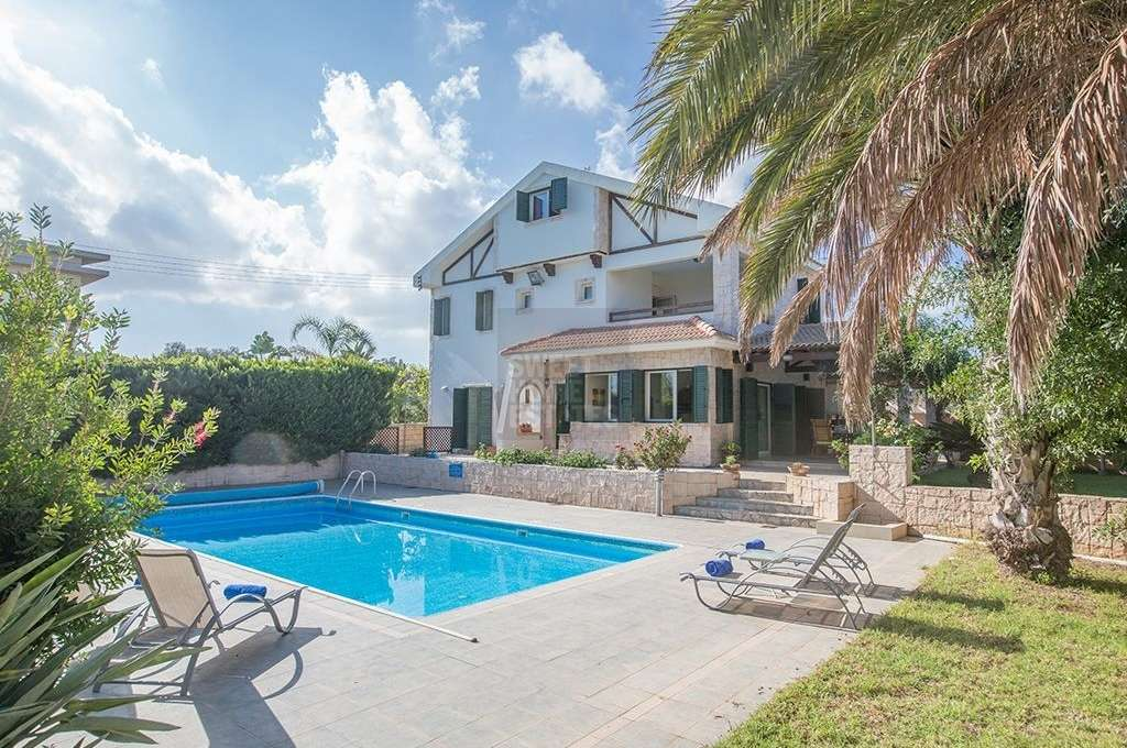 Delightful Family Villa Situated in a Tranquil Environment with Sea Views