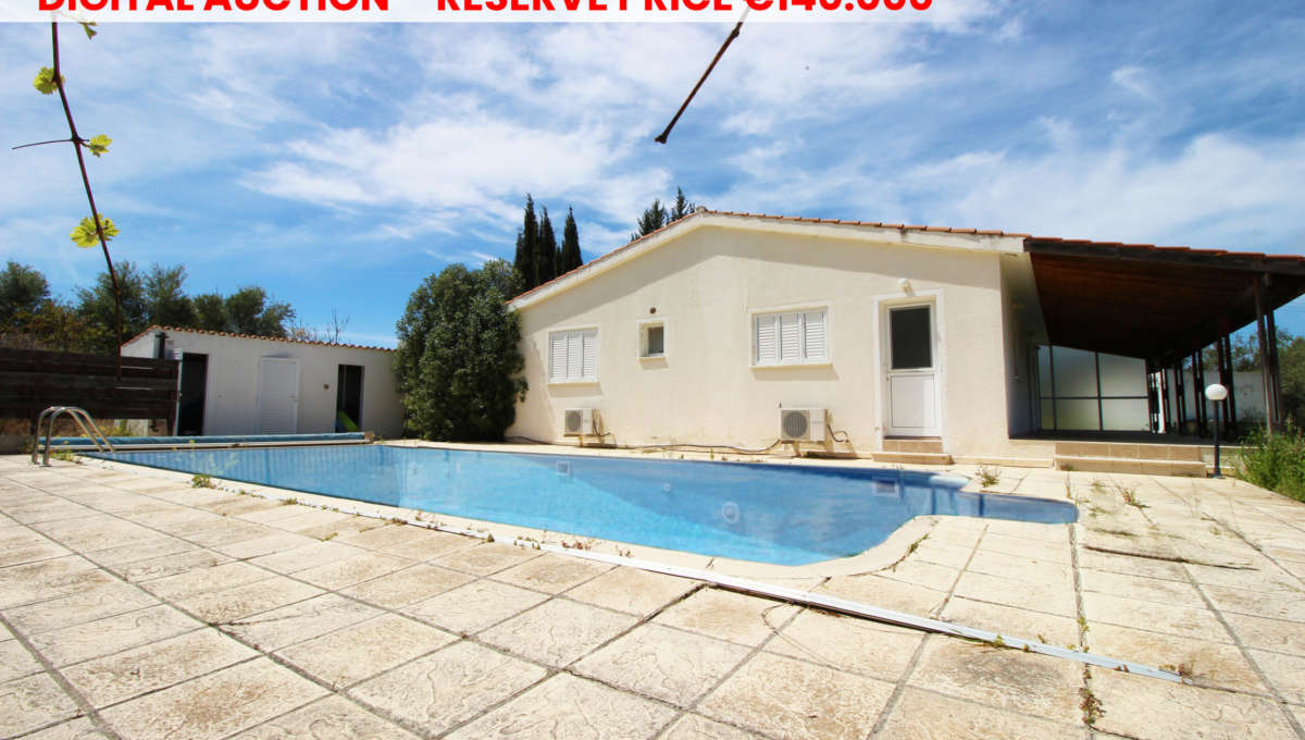 Detached house in Pano Akourdaleia